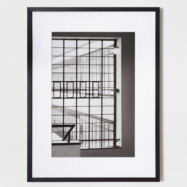 Fotografie von Klaus Kinold »Walter Gropius, Bauhaus Dessau, Blick vom Treppenhaus nach außen, 1992«